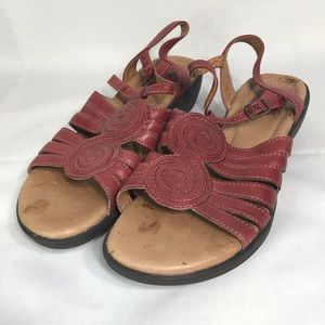 Clarks Artisan 8M red Leather Ankle Strap Sandals